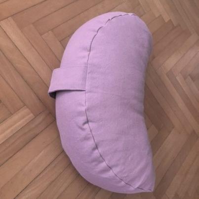 Jastuk za meditaciju polumesec pez roze